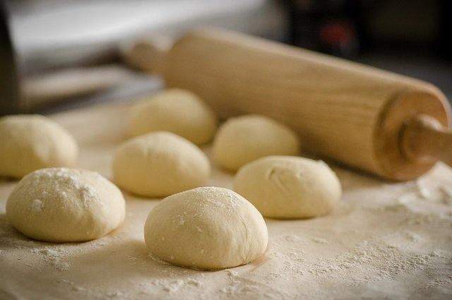 substitute for plastic wrap for dough